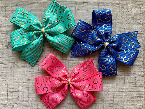 Horseshoes mini pinwheel bow