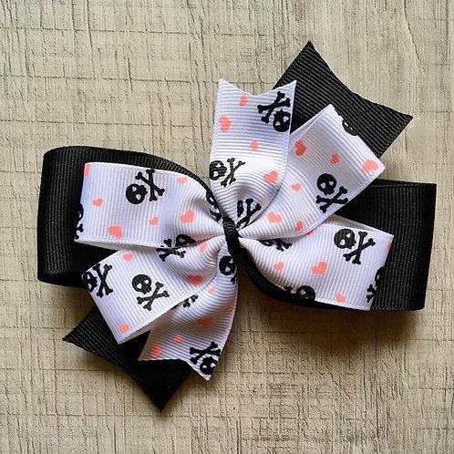 Pirates double pinwheel bow