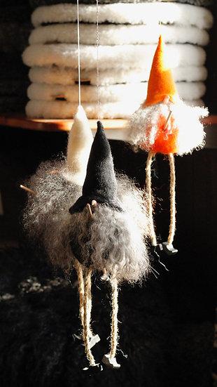 Flygande Påskkärring Orange/ Vit/ Svart