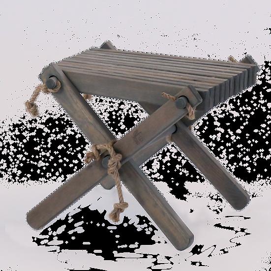 Grått bord/pall i furu