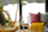 Kudde med fjällbudskap, Klippapläd Leaf Saffron, Aveva ullvas