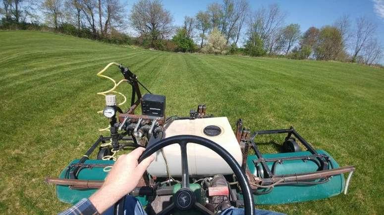 Lawn Weeding & Fertilizing