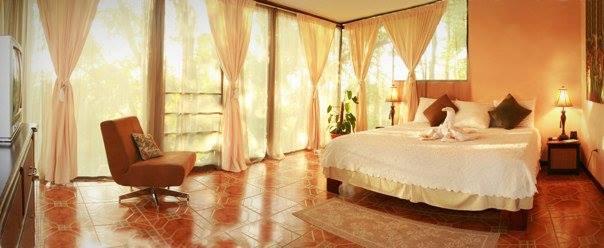 Howler Hangout King bed overlooking