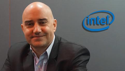 Ecco l'uomo che cercherà di vendervi le schede video Intel