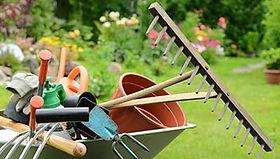 entretien-jardin RIVA PAYSAGE.jpg