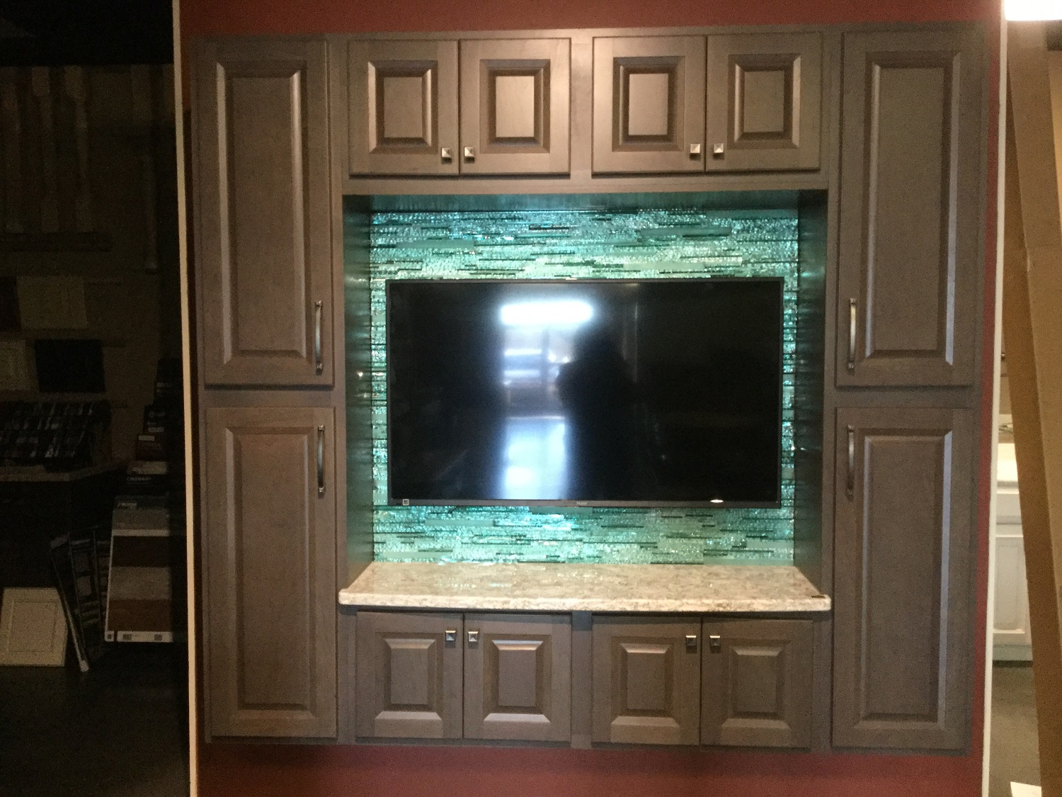 laminated stacked glass back splash