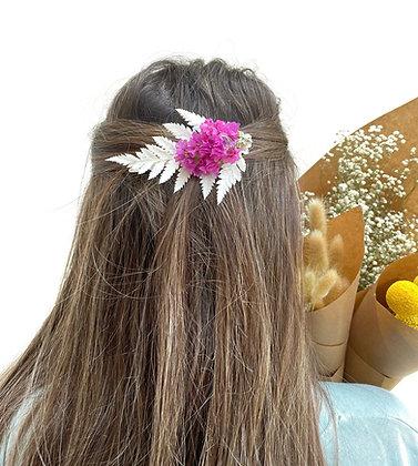סיכה לשיער בשילוב פרחים מיובשים