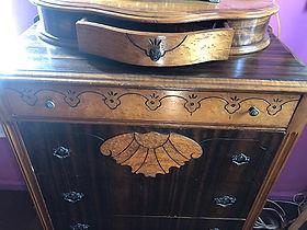 draw open on dresser.jpg