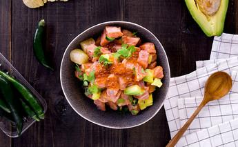 สลัดแซลมอน By : Thammachart Seafood