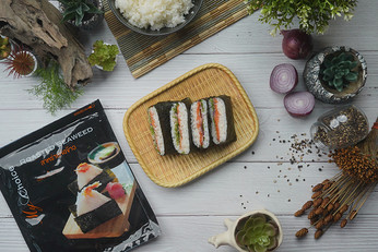 โอนิกิระซุไส้สโมคแซลมอน Exclusive Recipes by Tops