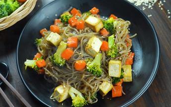 เส้นบุกผัดน้ำสลัดงาซีอิ๊วญี่ปุ่น Easy Cooking by Tops