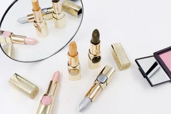 L'Oréal Color Riche Metallic ลิปสติกกลิตเตอร์ สวยเด่น เปล่งประกาย