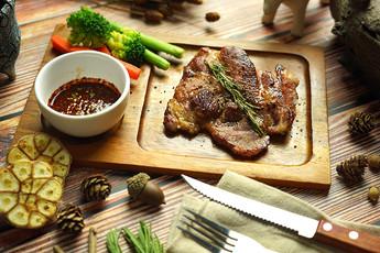 สเต็กหมูสันนอกนมสด Exclusive Recipes by Tops