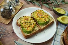 ขนมปังปิ้งอะโวคาโด Live A Healthy Life by Tops