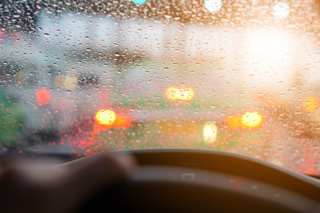 ล้างรถหน้าฝน