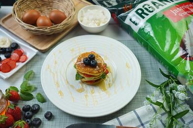 แพนเค้กข้าวหอมมะลิ Exclusive Recipes by Tops