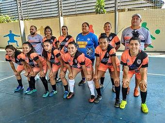 Equipe Feminina de Santa Lucia.jpg