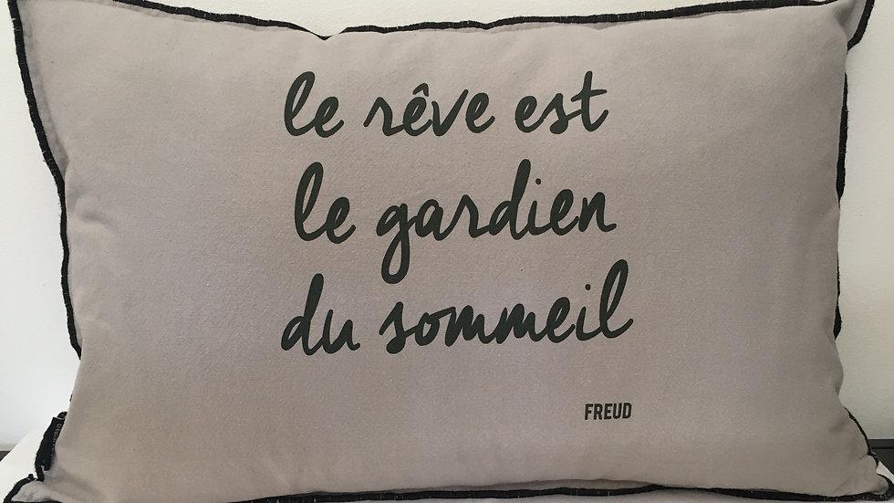 """Coussin """"le rêve est le gardien du sommeil"""""""