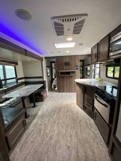Connect Dinette and Kitchen