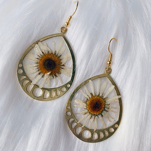 White Daisy Moon Phase Resin Earrings - Gold