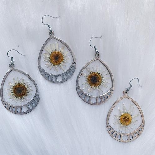 White Daisy Moon Phase Resin Earrings - Silver