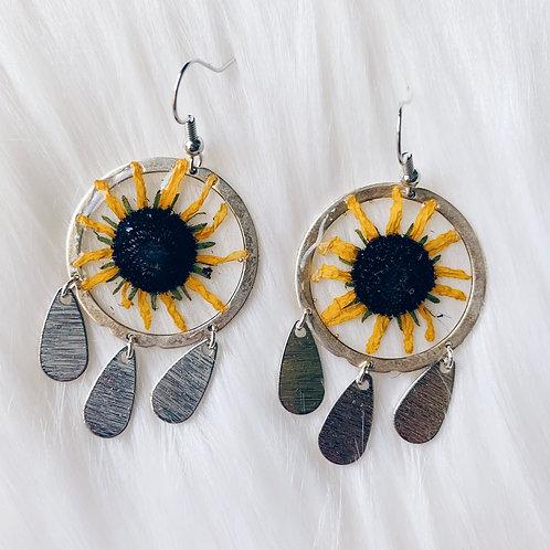 Daisy Dream Catcher Resin Earrings