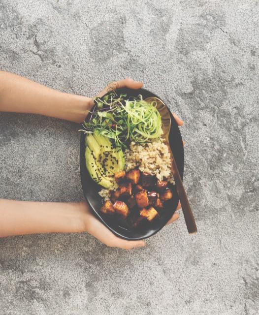 Manuka Honey and Tempeh Salad bowl