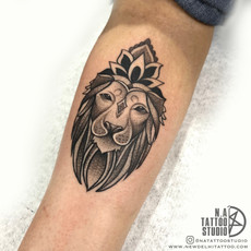 lion crown tattoo design .jpg