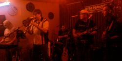 BandOnStage02