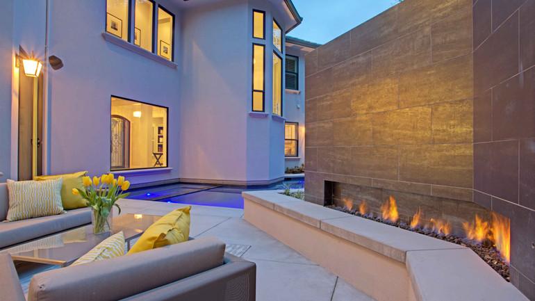 house served poolside 2.jpg