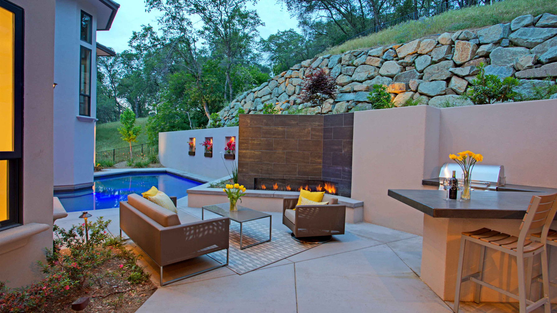 house served poolside 1.jpg