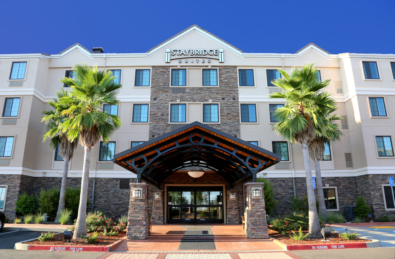 staybridge suites-folsom_1.jpg