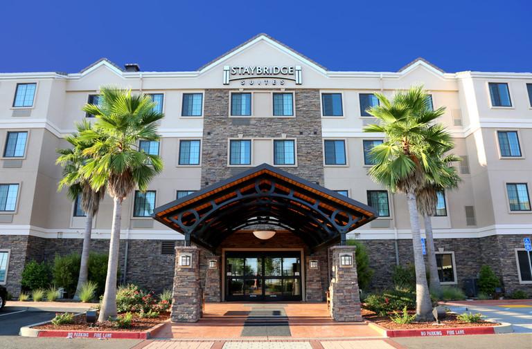 staybridge suites-folsom_1.jpg