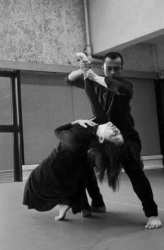[中] 只顧前瞻,會否局限了視野? —於重排現代舞經典《Day on Earth》中學習