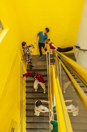 [中] 灰色都市中綻放繽紛 ──淺評《玩物感廊》及《Urban Playground》
