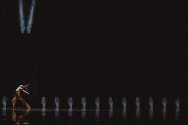 [中] 雲門2《毛月亮》—— 關於身體的恐懼與恐懼的身體