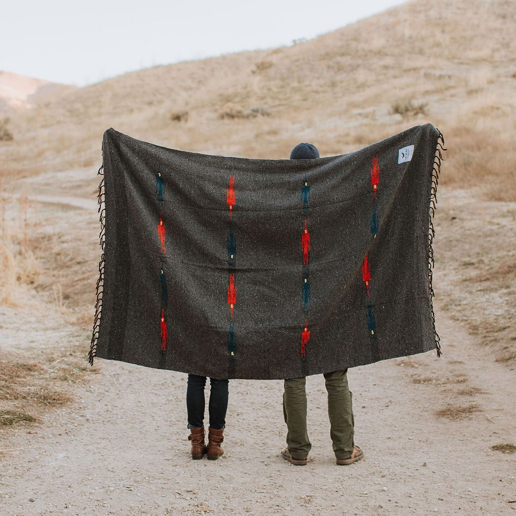 blackbird-adventure-blanket-yoga-van-lif