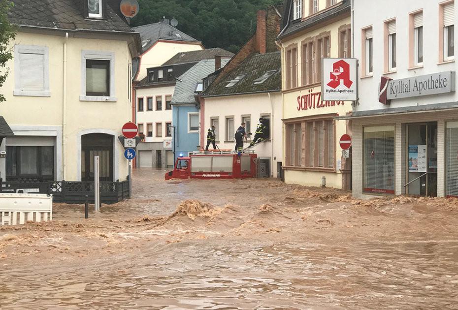 Hochwasser in der Kyllstraße Trier-Ehrang