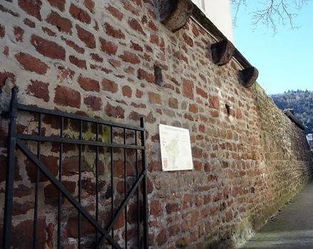 Ringmauer/Reste der alten Stadtmauer Ehrang