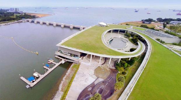 Pipeline Crossing Marina Reservoir (1).j