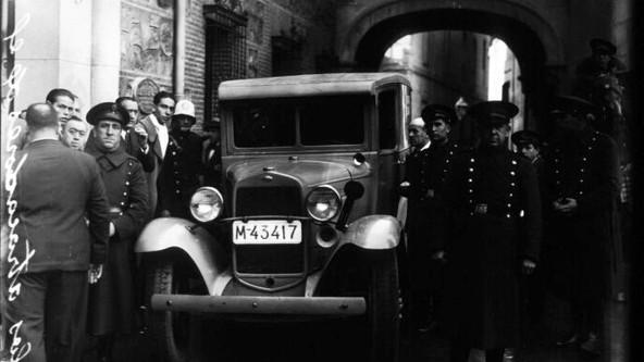 ATRACO EN LA PLAZA DE LA VILLA, 1935 (HILO)