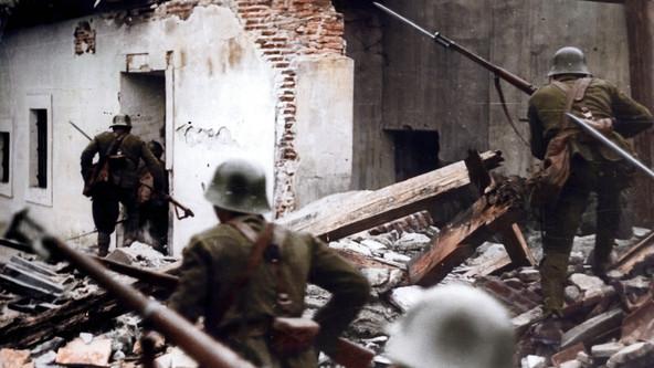 AVANZANDO ENTRE LOS ESCOMBROS, 1937