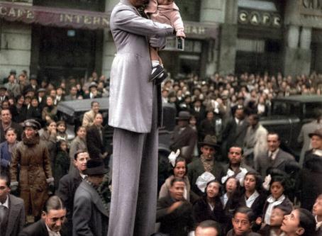 HOMBRE ANUNCIO EN LA GRAN VÍA, 1934