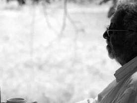 Distantes: Francis Vale, um cineasta, crítico e amigo