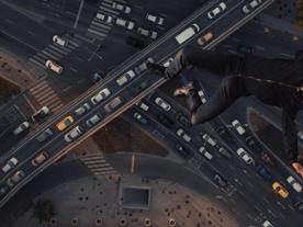 """Cannes 2017: A abstração política de Kornél Mundruczó retorna no super-herói de """"Jupiter's Moon"""""""