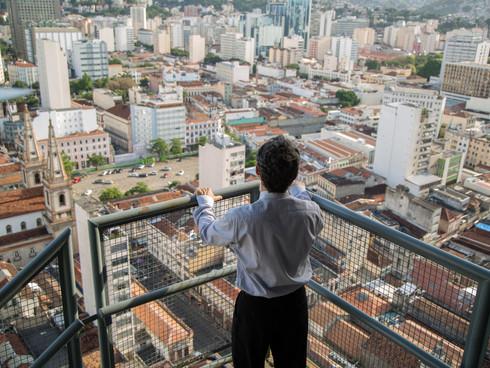 Homem Onça: diante do antipático Brasil dos anos 1990