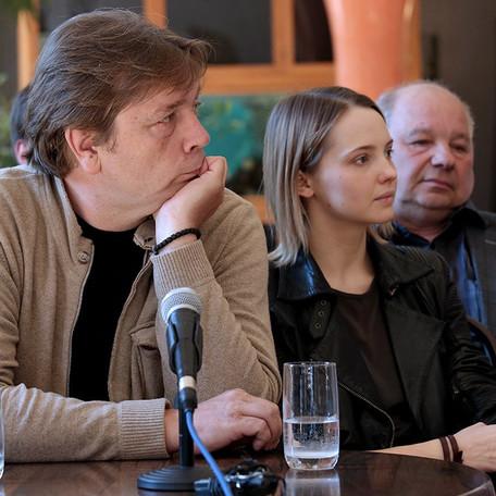 Александр Бобровский, Юлия Хлынина, Владимир Горюшин. Пресс-конференция А.С.Кончаловского 13 мая 2016 года