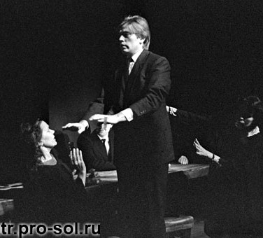 Александр Бобровский в спектакле 'Мать Иисуса'