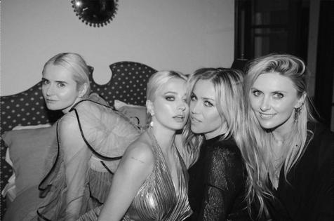 OLGA, CAROLINE & LILLY