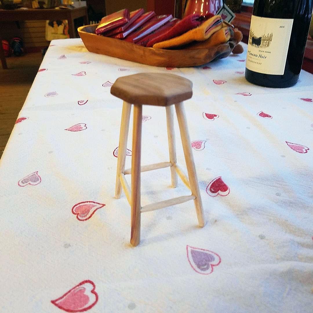 stool-memorial